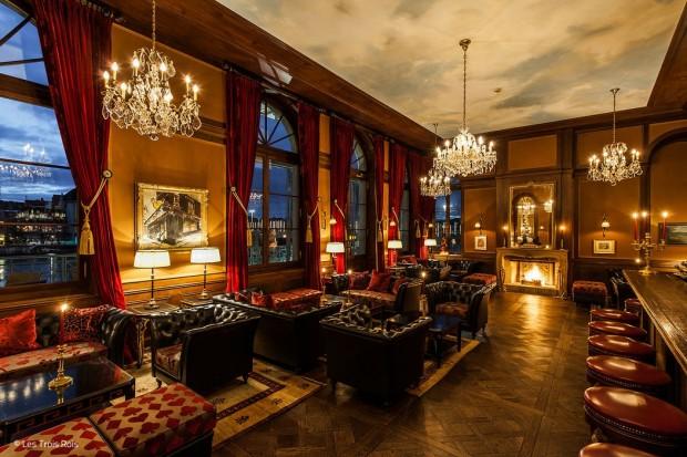 Klassische Bar mit Stil