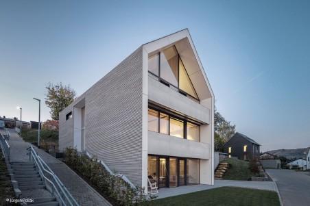 Ein Haus, vier Ansichten