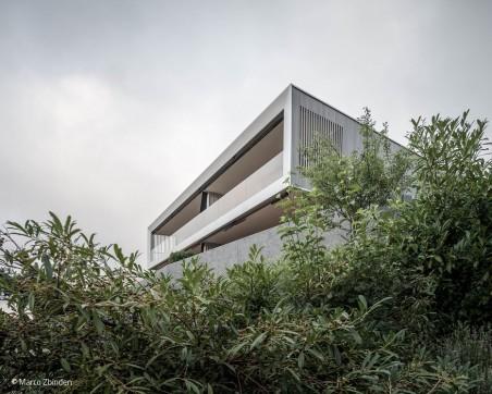 Haus an einer Kante