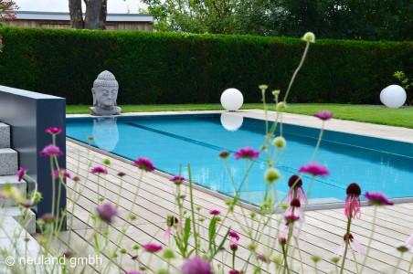 Pool im Prachtgarten