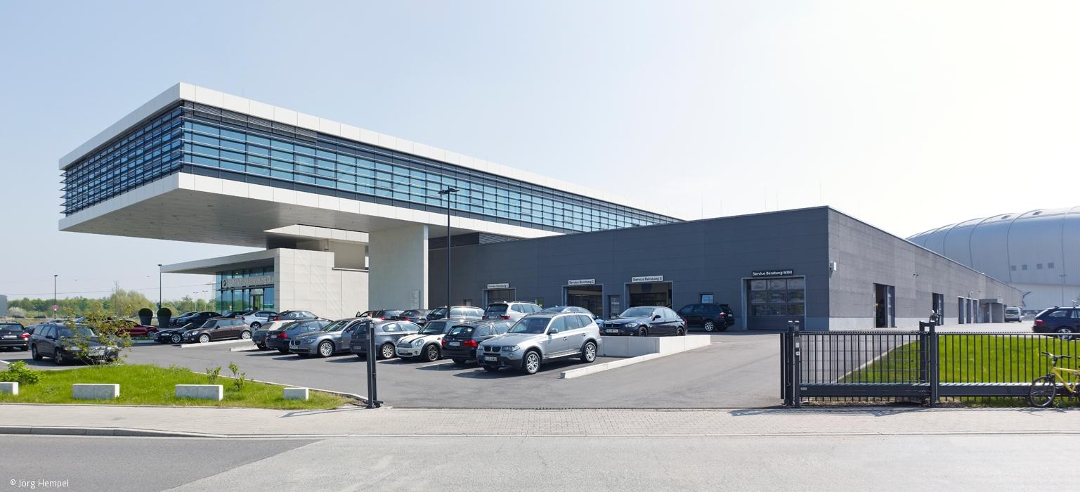 Ein zweites Haus für BMW Artikel Düsseldorf