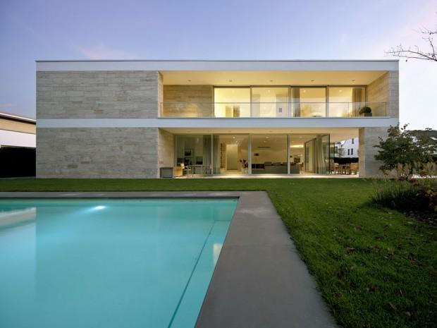 Monolithisch minimalistisch