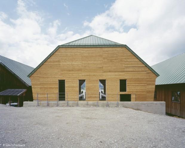 Bootshaus mit Schwimmdock