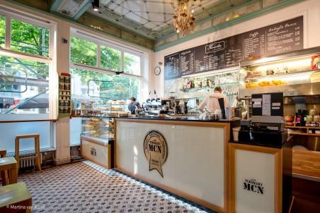 Café und Feinkost original aus Italien