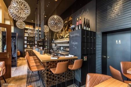 """Weinbar in der """"neuen Altstadt"""""""