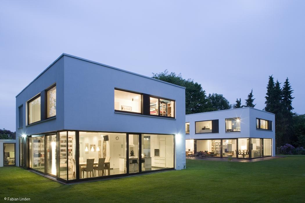 Zwei Häuser, Eine Architektur Sprache