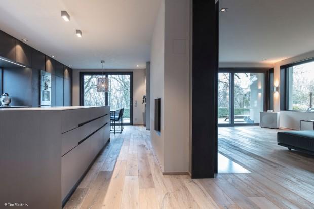 Küche mit Aquarium-Fenster