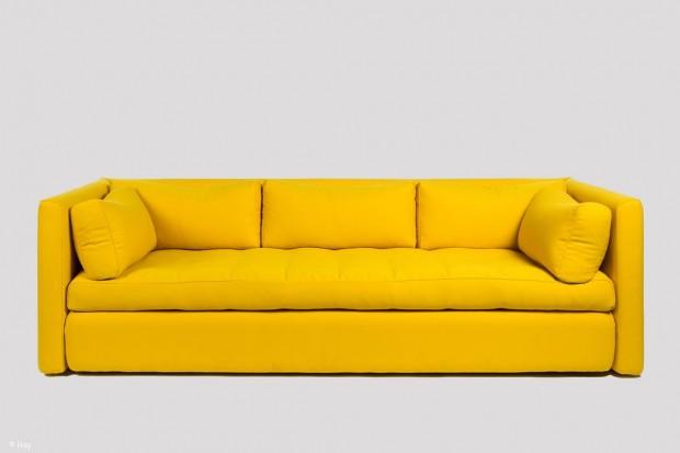 Sofa mit Clou