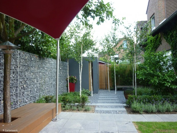 Holzim Garten–stilvoll, sinnvoll, sinnlich